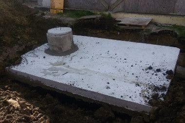 Zamontowane szambo betonowe